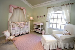 <p>Ремонт и отделка детской комнаты. Комната новорожденного.</p>