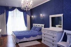 <p><em><strong>Ремонт и отделка спальни: Дизайн спальни в синих тонах.</strong></em></p>