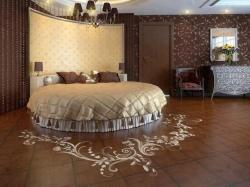 <p><em><strong>Ремонт и отделка спальни: дизайн спальни&nbsp; в шоколадных тонах.</strong></em></p>