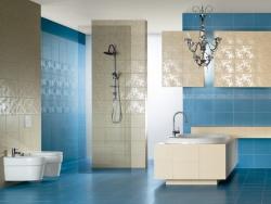 <p><em><strong>Облицовка стен ванной мозайкой кафелем.&nbsp; Ремонт и отделка ванной.</strong></em></p>