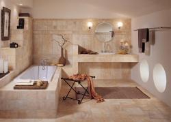 <p><em><strong>Отделка ванной комнаты кафелем Ремонт и отделка ванной.</strong></em></p>
