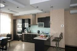 <p>Дизайн кухни с совмещенной с залом. Ремонт и отделка квартир.</p>
