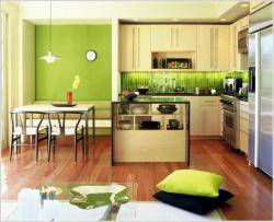 <p><em><strong>Дизайн кухни:&nbsp; Тон-салатовый. Светлая комфортная кухня.</strong></em></p>