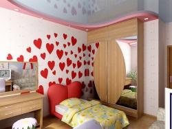 <p><em><strong>На стене использованы элементы сердечек. Особенно актуально для ремонта детской комнаты для девочек.</strong></em></p>