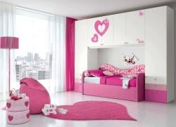 <p><em><strong>Дизайн детской: Очень светлая комната для маленькой девочки.</strong></em></p>